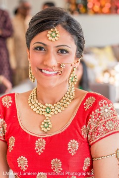indian bride,indian bridal hair and makeup,indian wedding jewelry