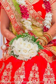 indian bride,indian bridal bouquet,indian wedding ceremony