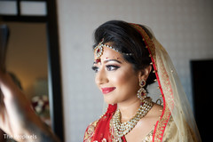 indian bride makeup,indian bridal hair accessories,indian bridal jewelry