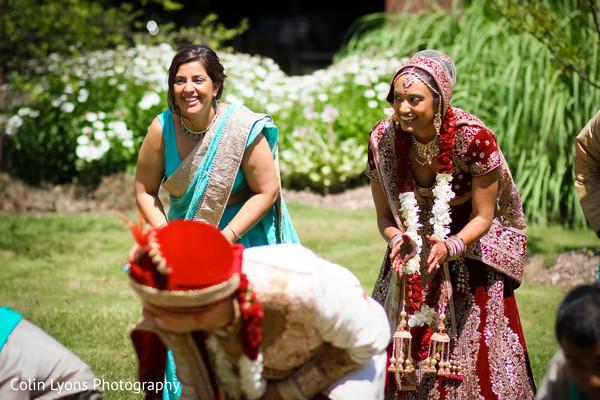 Fun bridal party photo shoot