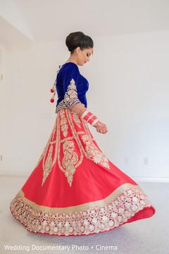 indian wedding gallery,bride bangles,mehndi art