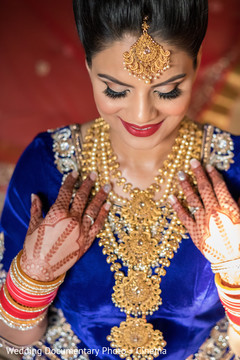 indian bridal jewelry,indian bride getting ready,pre-wedding ceremony photography