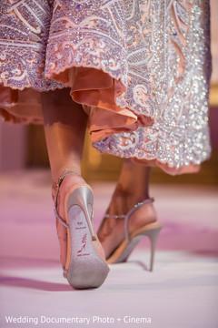 indian wedding shoes,indian bride reception fashion,mehndi art