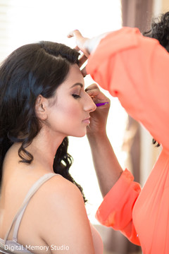 indian bride makeup,indian wedding photography,indian bride