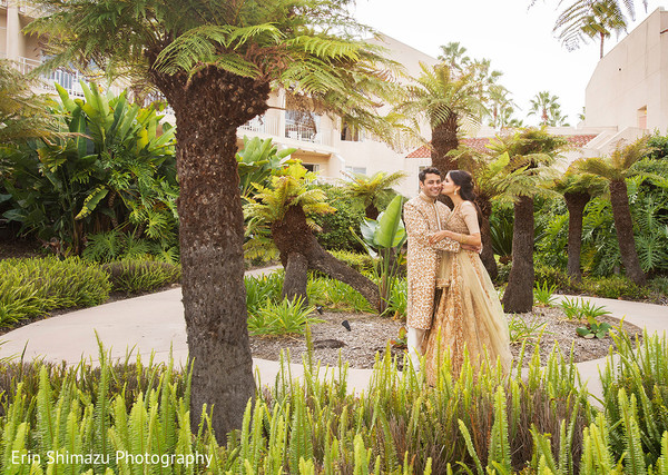 indian wedding couple,indian bridal fashions,indian wedding photography