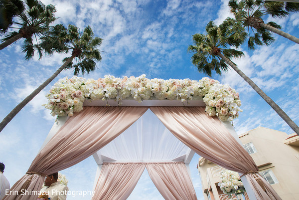 indian wedding mandap,indian wedding floral and decor