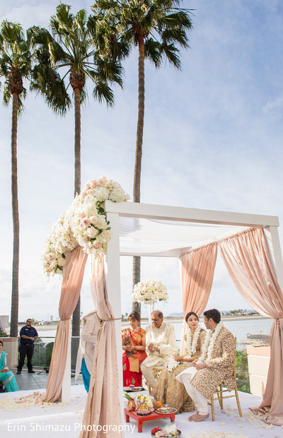 outdoor indian wedding,indian wedding mandap