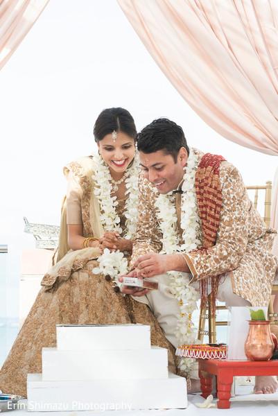 sacred fire,indian wedding,indian wedding couple