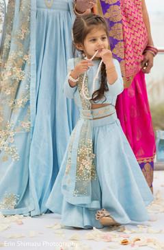 flower girl,indian sari