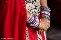 indian bride,indian wedding lengha,indian wedding bangles,indian wedding mehndi