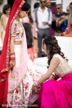 indian bridesmaids,indian bride ceremony fashion,indian bride hair and makeup
