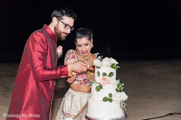destination wedding reception,indian bride,indian groom,indian wedding cakes