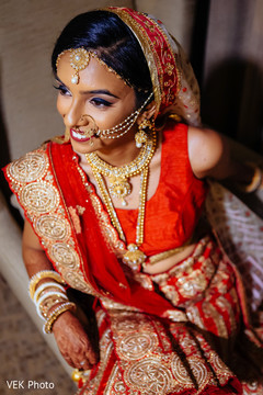 indian bride,indian wedding portrait,indian bridal jewelry,indian wedding lengha