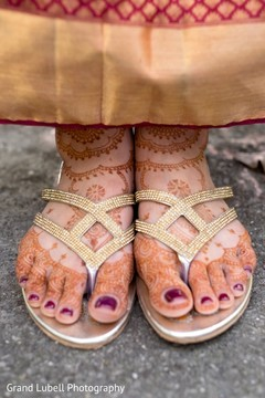 sandals,indian bridal mehndi,indian wedding mehndi