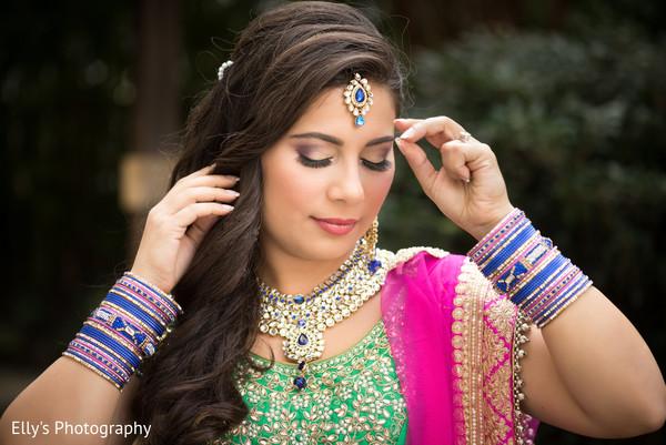 Fascinating Indian bride look.