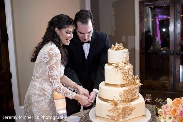 cutting the cake,wedding cake,cake cutting