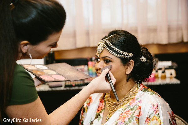 indian bridal makeup,indian bride portrait,bridal jewelry