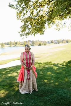 indian bride lengha,indian bride portrait,outdoor photography