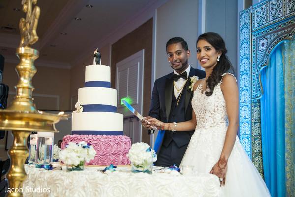 wedding cake,cake cutting,tier cake