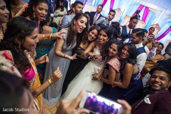 wedding reception,dance floor,dj,dj and entertainment
