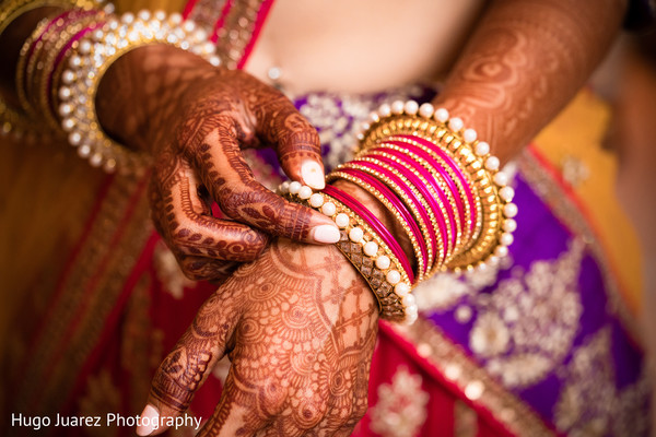 bride bangles,bridal mehndi,indian wedding photography