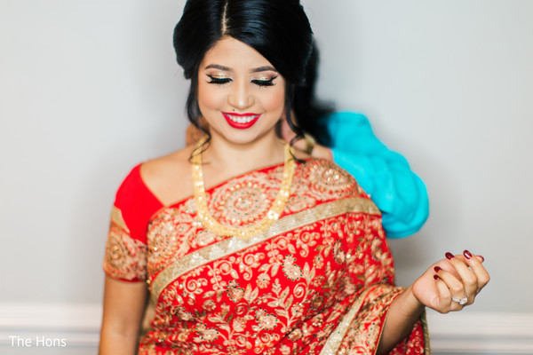 bridal jewelry,indian bride getting ready,pre-wedding ceremony photography