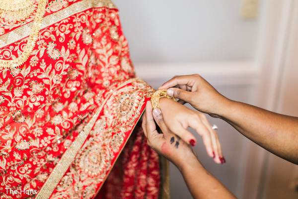 bride bangles,indian bride lengha,indian bride getting ready