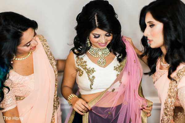 indian bride getting ready,indian bridesmaids,bridal jewelry