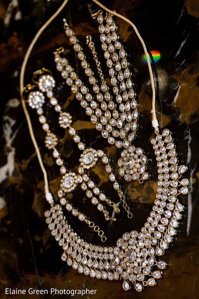 Stunning bridal jewelry.