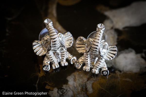 Beautiful elephant bridal rings.