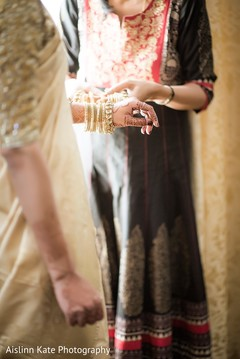 getting ready,indian bridal jewelry,indian bride accessories