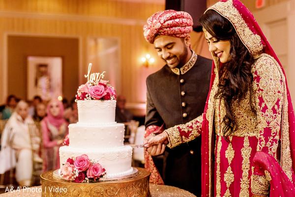 indian wedding reception,indian wedding,indian wedding cake