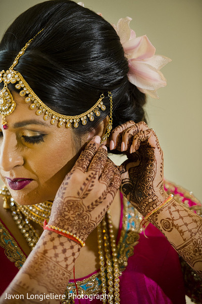 getting ready,indian bride,indian bride fashion,lengha