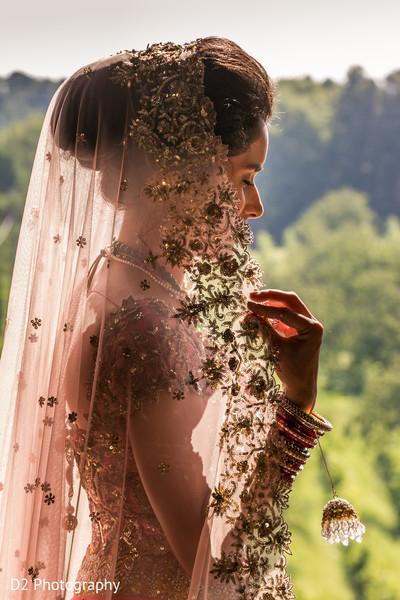bride bangles,indian bride lengha,indian wedding photography