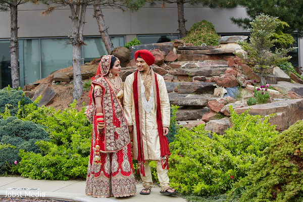 outdoor photography,indian bride and groom portrait,indian bride ceremony fashion