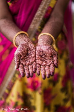 bridal mehndi,indian bride fashion,engagement ring