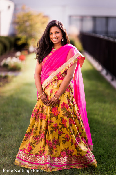 outdoor photography,indian bride lengha,indian bride portrait