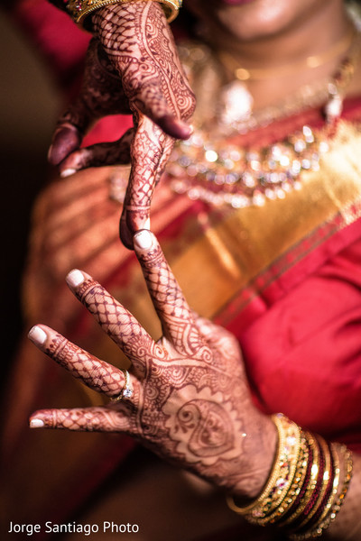 Lovely mehndi design photography in Pittsburgh, PA Indian Wedding by Jorge Santiago Photography