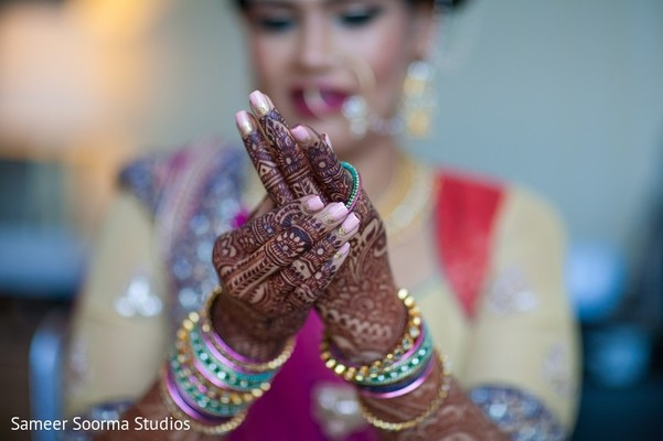 indian bride,getting ready,indian bridal makeup,bridal mehndi