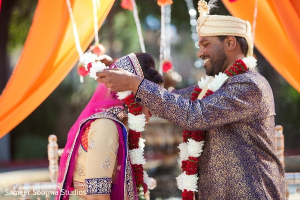india wedding ceremony,floral and decor,jaimala