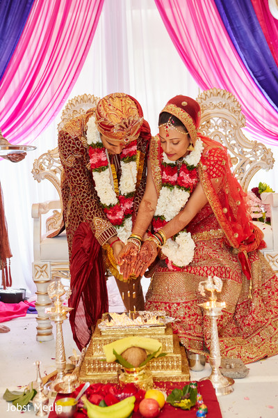 indian wedding ceremony,indian groom,indian bride,agni ceremony