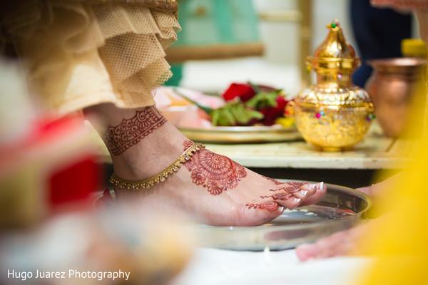 mehndi art,indian bride fashion,indian bride accessories