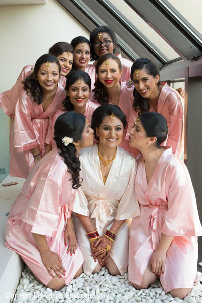 indian bridesmaids' fashion,bridal tikka,bridal mehndi