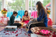 mehndi party,indian bride,mehndi artist