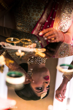 getting ready,indian bride,indian bride hair and makeup,bridal jewelry