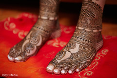 henna,indian wedding photography,indian bride getting ready
