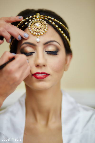 indian bridal makeup,indian bride getting ready,indian bride portrait