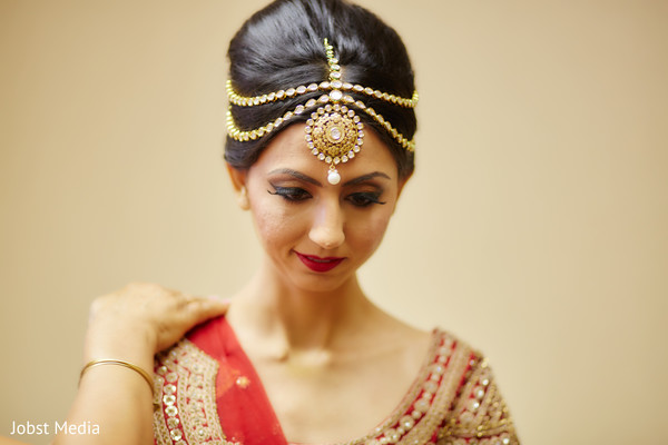 indian bride ceremony fashion,indian bridal makeup,bridal jewelry