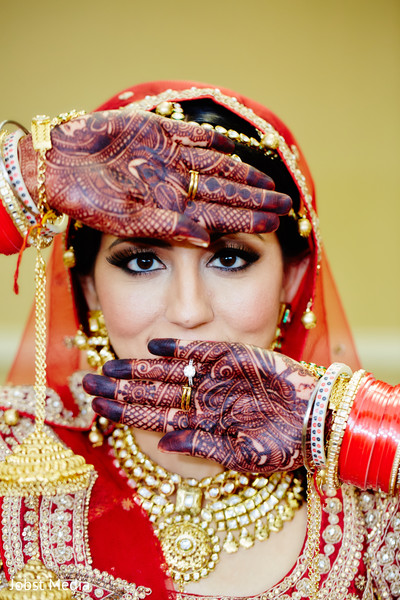 mehndi art,pre-wedding ceremony photography,indian bridal makeup