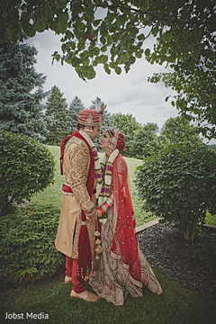 indian bride and groom portrait,indian bride lengha,indian groom sherwani